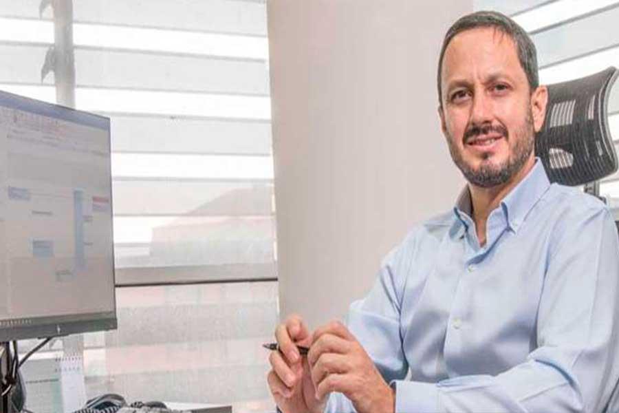 """Alejandro Ponce Bueno: """"Hay menos dinero y un fuerte competidor: energía renovable"""""""