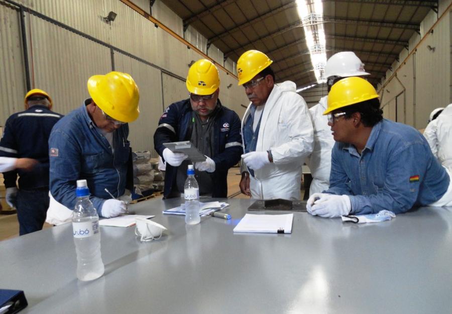 POR PRIMERA VEZ EN BOLIVIA, SE REALIZÓ LA CERTIFICACIÓN NACE PARA INSPECTORES DE REVESTIMIENTO